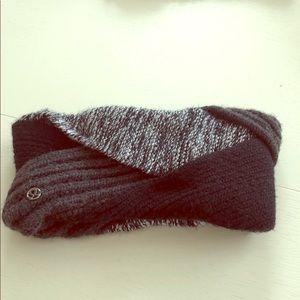 Lululemon tri color headwrap—like new